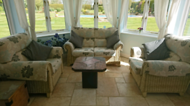 Conservatory /garden room 2 seater settee and 2 chairs