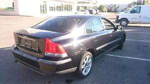 2002 Volvo S 60 2.4 manual. Please call or text me 416 898 2035
