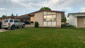 3 bedroom 1 bathroom bungalo suite in Transcona. Avail July 2nd.