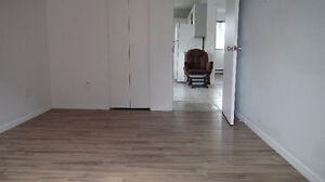 1bedroom Apartment in Whitby,Washer&Dryer, 25 mins drive to STC