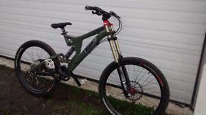 Specialized Big Hit Bike - FOX Rock Shox Boxxer Avid