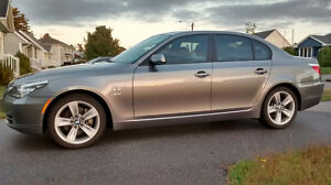 2009 BMW 528 X-Drive, Sports & Convenience Package