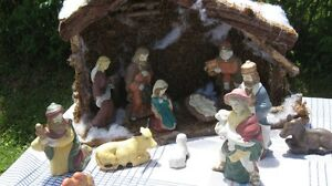 Nativity 12 pc with  Creche