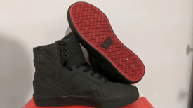 Black Supra Skytops with Red Sole - Size 4