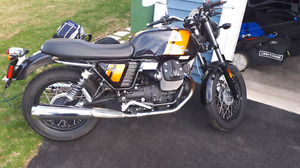 Italian motorcycle for sale. Moto guzzi v7 special.