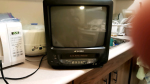 13 inch ac dc Sansui tv with built in vcr