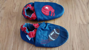 Robeez slippers, size 3-4 years