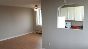 $875 Incl Heat/Hot Water - Fort Howe - Large 2 Bdrm
