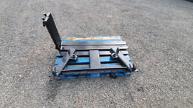New tractor front loader pallet forks /bale spike with euro brackets