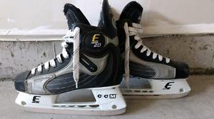 CCM Mens size 9.5 D hockey skates