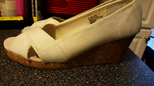 size 7 Wedge sandals