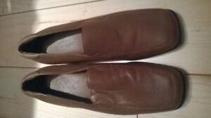 REAL LEATHER WOMAN SHOES, SIZE 8,5, NEW!!!