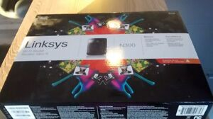 Routeur Linksys E1200, N300 monitor 20$