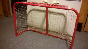 Hockey mini-net for youngster