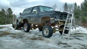 90 k5 blazer Dana 60swith 12in lift built small block and parts