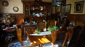 GORGEOUS Entire dinning set- vintage- IMMACULATE CONDITION !