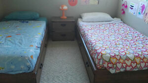 "Kid´s Brown Bed, 76,4""x41,7""x13,8"" and night stand"