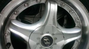 Mags &tires d'origine  pour Hyundai 185/65r15