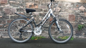 GIANT. FULLY WORKING ADULT BIKE NO RUSTY FREE DELIVERY FULLY WORKING