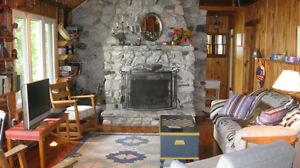 Private and quiet family cottage on Stoney & Clear Lakes