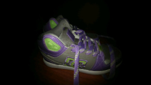 Girls size 9 DC shoes