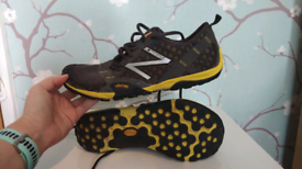 NEW BALANCE TRAIL RUNNING SHOES UK 8 - GREAT CONDITION