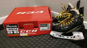 CCM Tacks Hockey Skates Size 3