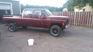 1977 gmc truck 4+4 crew cab short bed