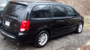 (Vendu) 2013 Dodge Caravan Sxt Minivan, Van