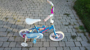 Small girl's bike in good condition. London Ontario image 2