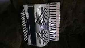 Italian accordion, 120 bases, CAMERANO! In very good condition