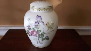 Royal Doulton Camilla Jar
