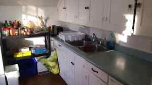 2 STUDENT BEDROOMS ALL INCLUSIVE DOWNTOWN  Peterborough Peterborough Area image 4