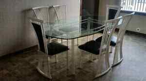 Kitchen table in mint condition