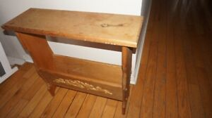 VINTAGE ENTRANCE TABLE 26 X 8IN HEIGHT 2FT
