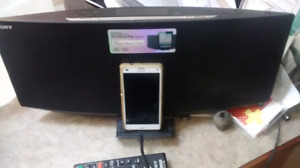 Sony iPad/iPhone stereo/aux