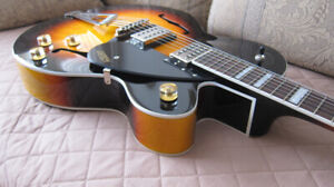ELECTRIC AND ACOUSTIC GUITARS. EXCELLENT CONDITION