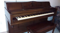 Hallet, Davis & Co. HC43 Furniture Console Upright Piano