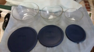 Pyrex Glass Bowls With Lids