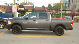 Customized 1500 SLT Tradesman One Owner No Accidents