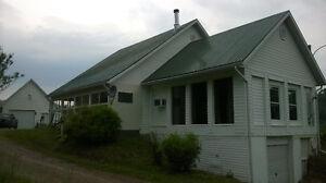 Domaine(Fermette) avec maison+2 garages Saguenay Saguenay-Lac-Saint-Jean image 7
