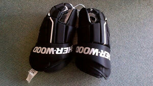 Brand New Sherwood T30 Hockey Gloves