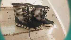 Size 11 Cougar winterboots