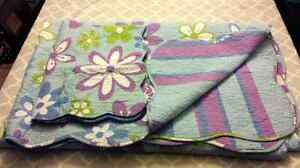 Girls retro flower reversible quilt twin size and matching sham