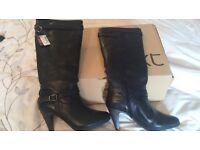 BNIB Ladies black leather knee high boots Sz 8/42