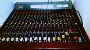 Table de Son Tascam M-312b