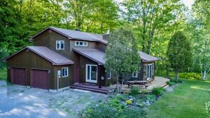 Lovely house in country setting just minutes from parry sound