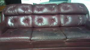 Leather sofa, Solid and comfy!