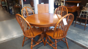 Maple Dinette Table and 4 Chairs