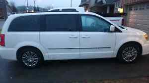 2014 Town and Country